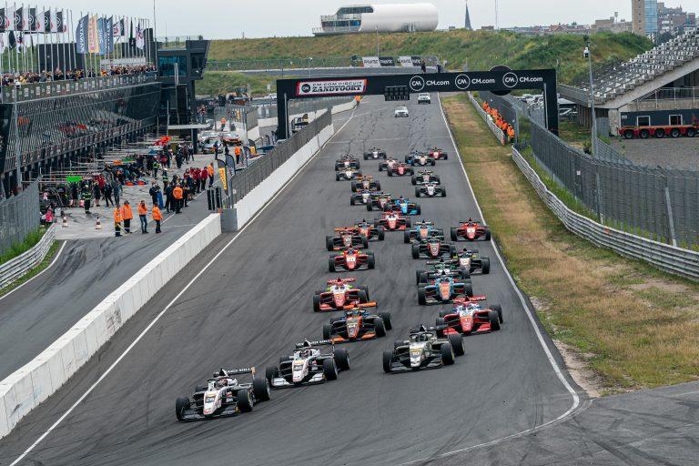 Zanvoort, Race 1: Saucy has no rivals